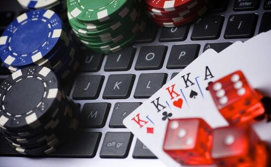 онлайн казино casinia
